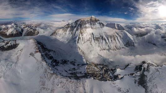 So habt ihr den Mount Everest noch nie gesehen