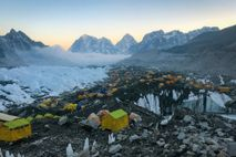 Mount-Everest-Basislager