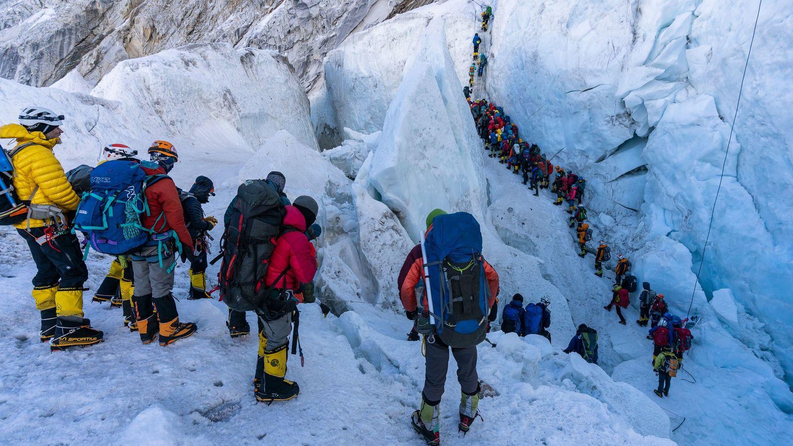 Khumbu-Eisfall-Schlange