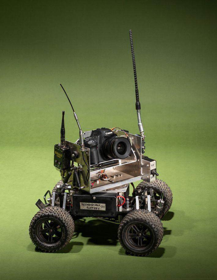 Steve Winter nahm dieses selbst gebaute Kameraauto mit nach Indien, um eine neue Perspektive auf seine ...