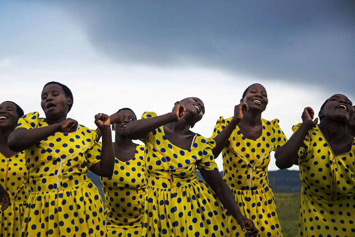 Tanz in Blau und Gelb