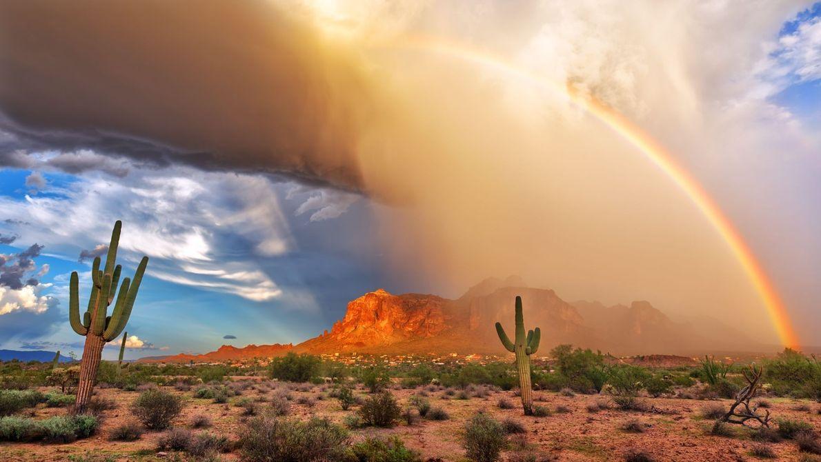 Sturm in den Superstition Mountains