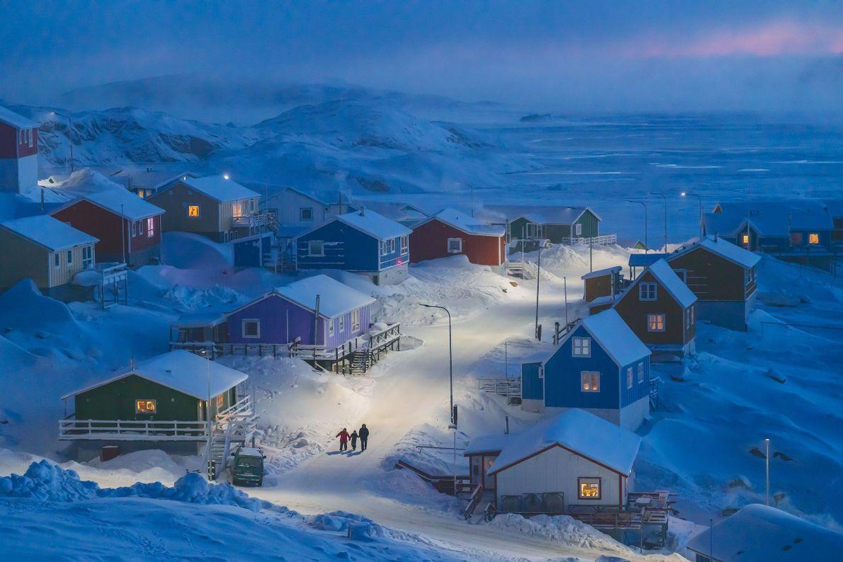 Gönländisches Dorf im Schnee