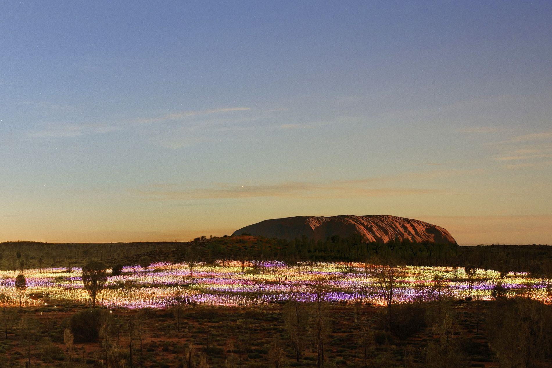 Australiens berühmtester Berg versinkt im Lichtermeer