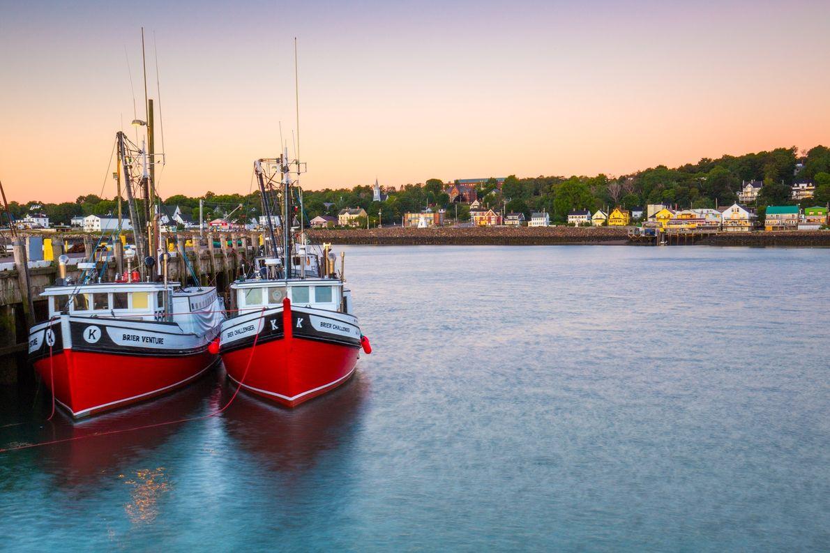 Zwei Boote im Wasser