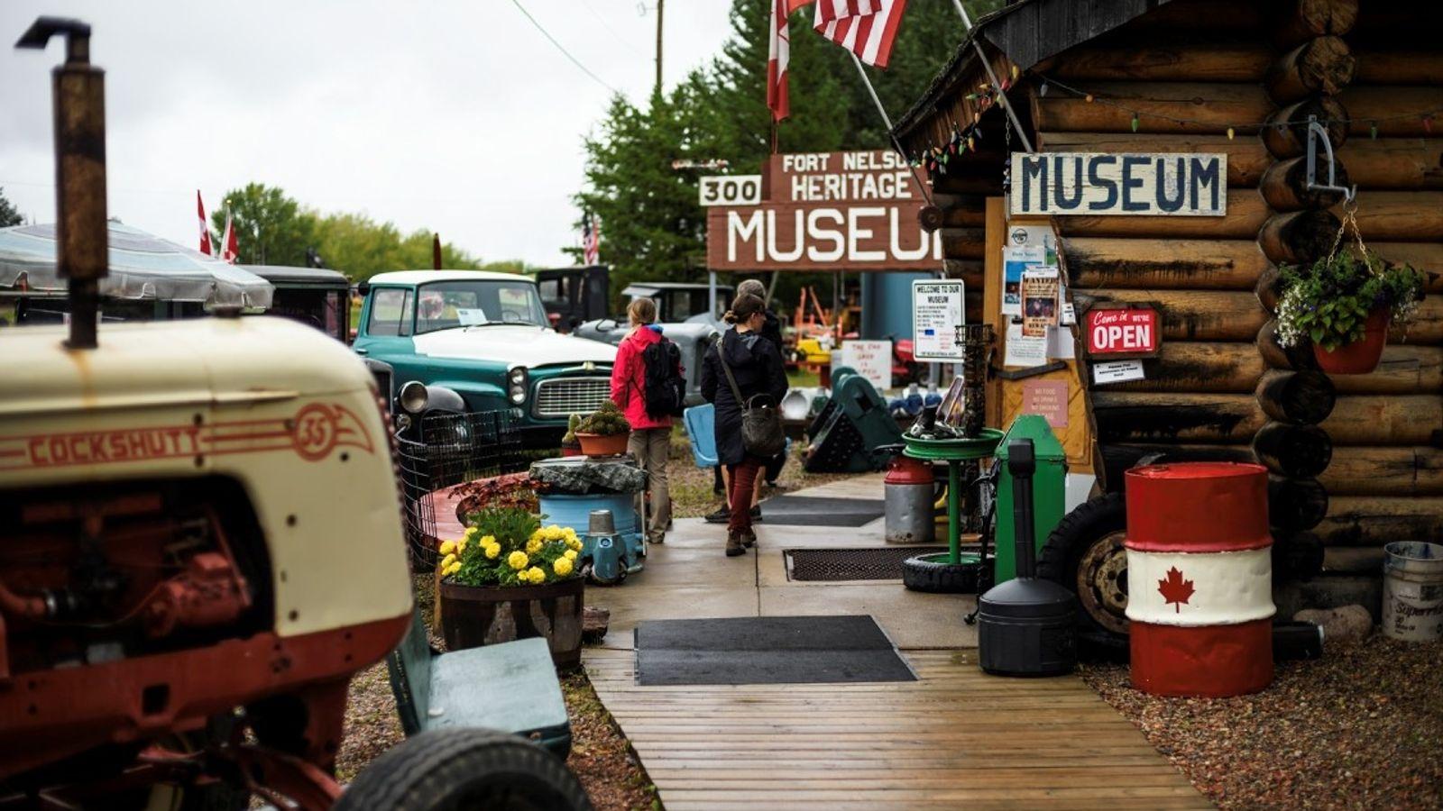 Das Fort Nelson Heritage Museum am Alaska Highway.