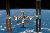 400 Kilometer über der Erde: Die ISS nach dem Abdocken des Space Shuttle Atlantis im Juni ...
