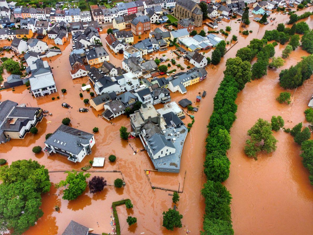Die Gemeinde Kordel in Rheinland-Pfalz steht unter Wasser.