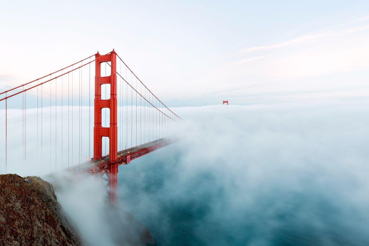 Jeden Monat überqueren mehr als drei Millionen Fahrzeuge die Golden Gate Bridge in San Francisco.