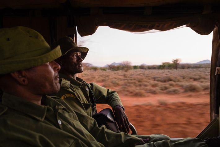 Lewarani Loidingae (links) und Lenengetai Lmantoros sind Botschafter des Grevy's Zebra Trust. Die sind in den ...