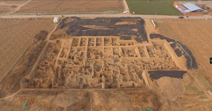Die Ausgrabungen von Guanzhuang begannen im Jahr 2011. Seitdem konnten Archäologen hier mehrere Werkstätten und hunderte ...
