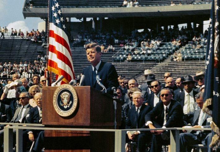 John F. Kennedy hält seine berühmte Rede an der Rice University, Houston, am 12. September 1962. ...