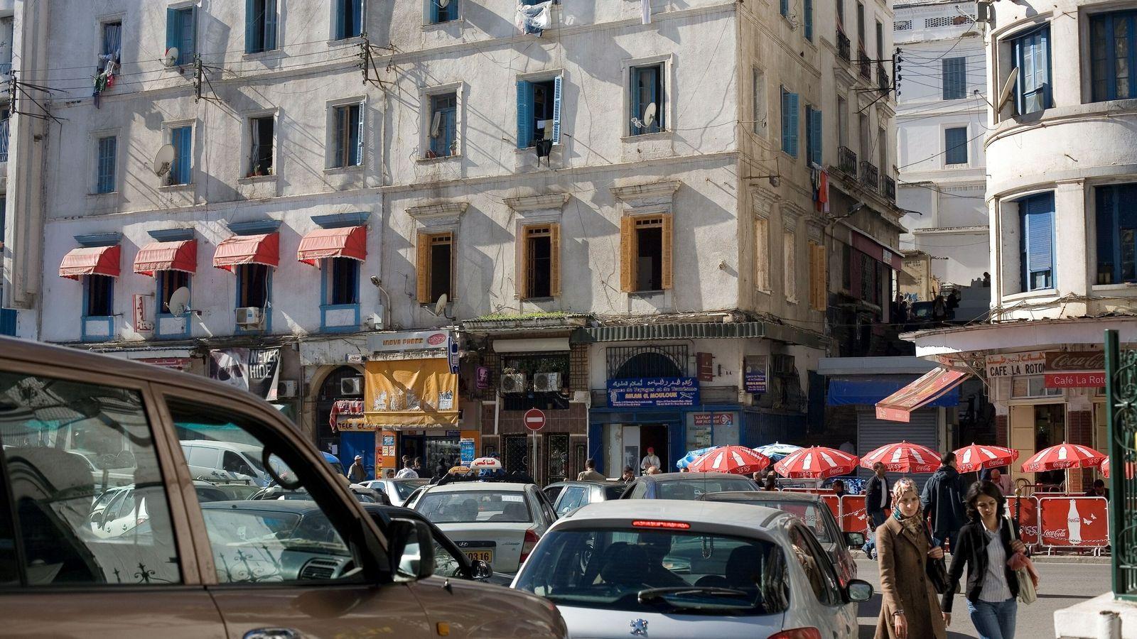 Algerien tut es dem Rest der Welt gleich und verbietet den Verkauf von verbleitem Benzin.eaded-gasoline-algeria