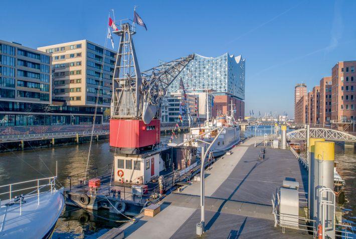 Hafenkran als Hotel in der HafenCity Hamburg