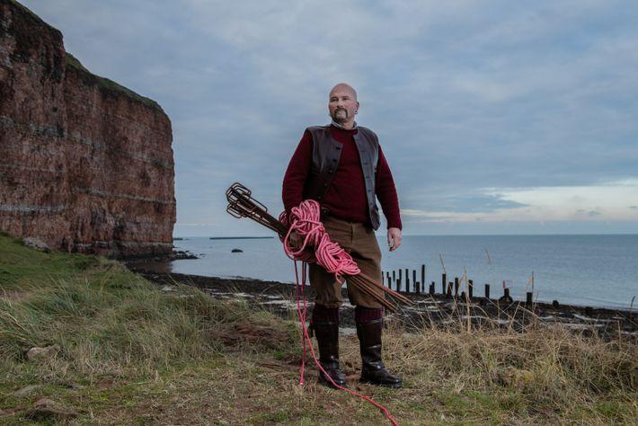 Nachdem Jäger die Kegelrobbe in der südlichen Nordsee im frühen 20. Jahrhundert ausgerottet hatten, wurde die ...