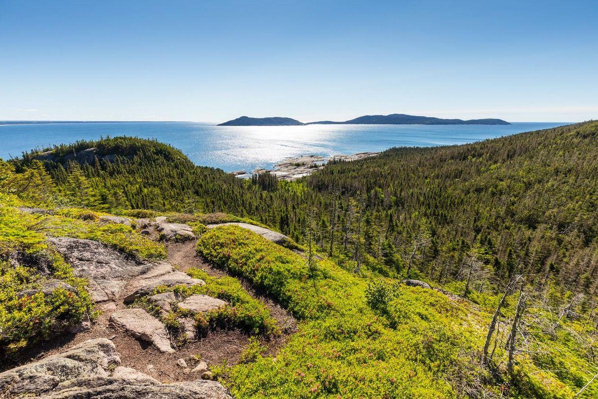 Auf Grand Basque Island bietet sich Wanderern eine fabelhafte Aussicht auf den Sankt-Lorenz-Golf, La Petite Boule ...