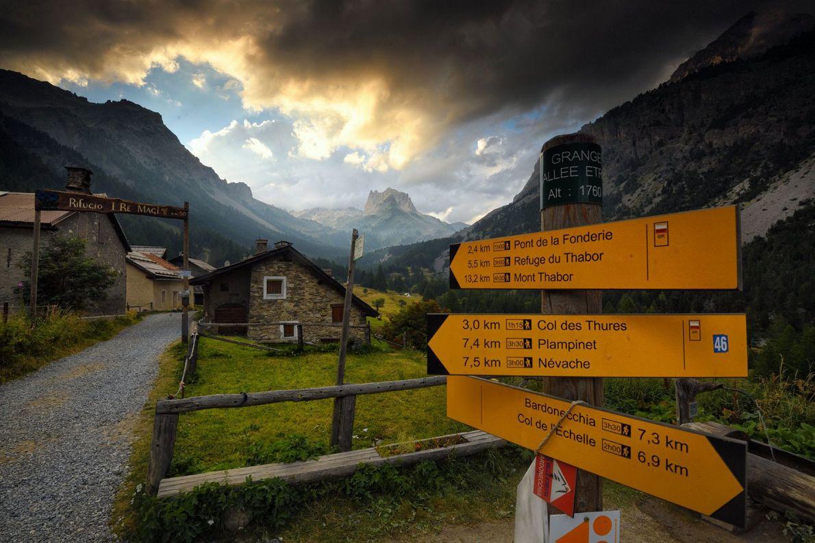 Wegweiser vor Mont Thabor