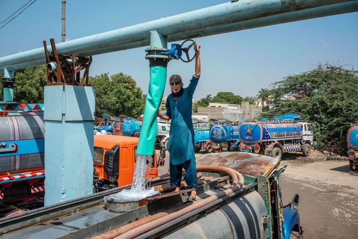 Induswasser aus einer Rohrleitung