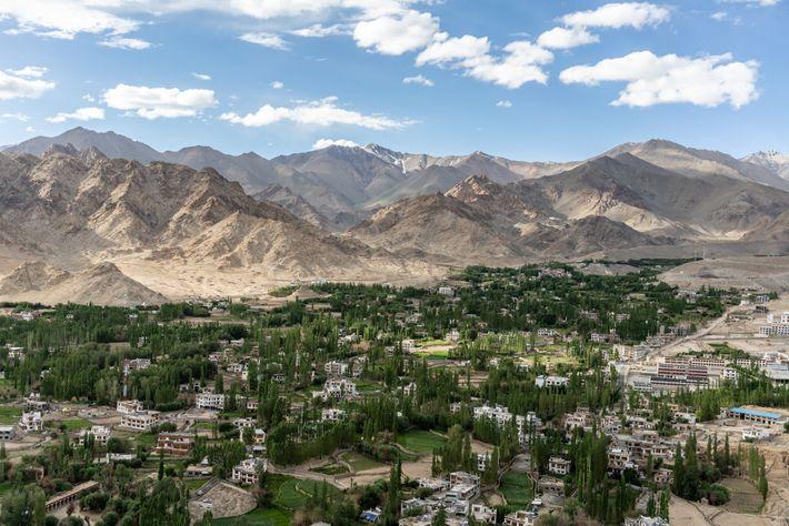 Blick auf den Baglihar-Staudamm