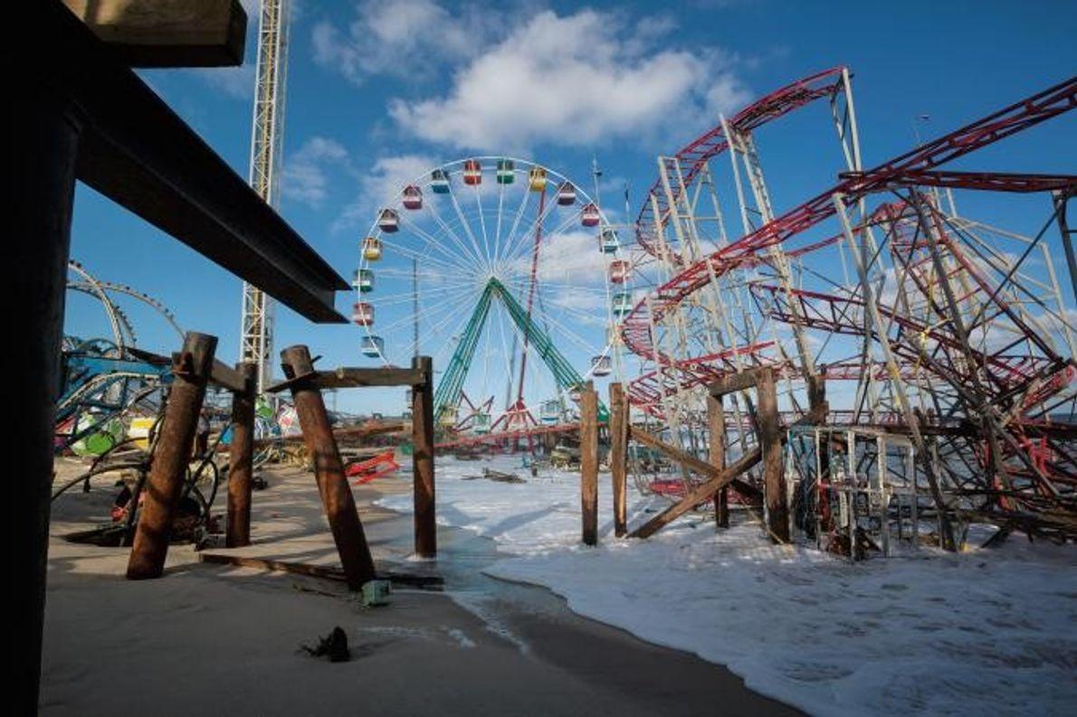 Ein Vergnügungspark an der Küste von New Jersey nach dem Hurrikan Sandy.