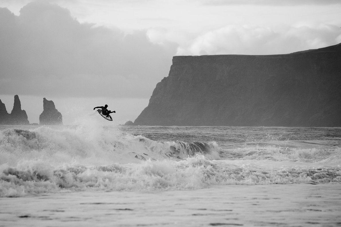 Surfer in Island