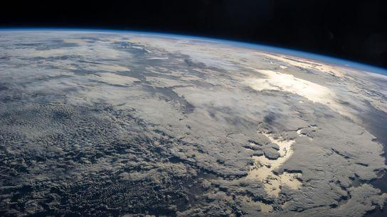Ein Crew-Mitglied der ISS machte diese Aufnahme der Erde im Jahr 2013.