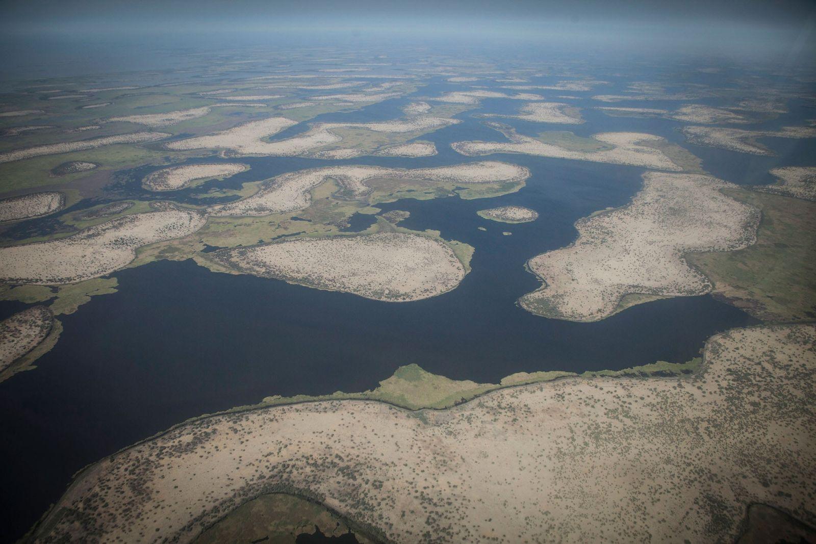Luftaufnahme der Inseln im Tschadsee