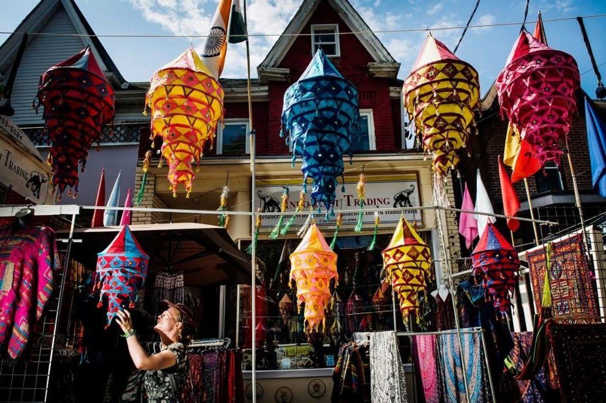 Das Stadtviertel Kensington Market blickt auf eine lange Geschichte zurück und war für viele Einwanderer, die …