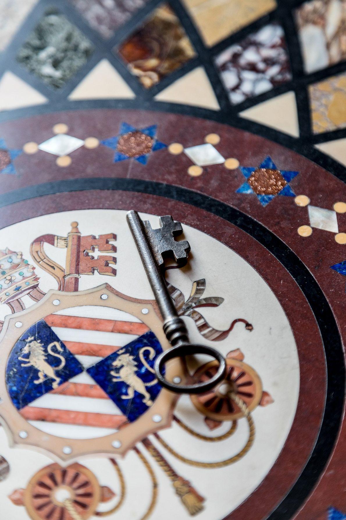 Der einzige Schlüssel, der nicht nummeriert ist, ist jener für die Sixtinische Kapelle. Während des Konklaves ...