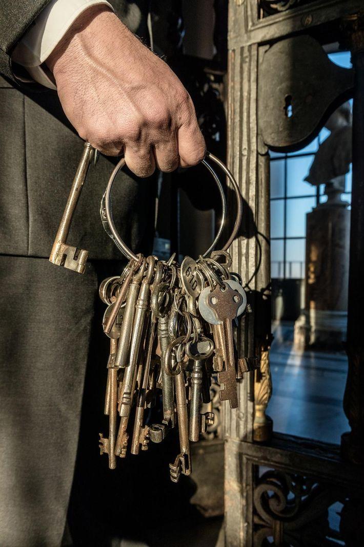 """""""Ich habe sprichwörtliche die Schlüssel zur Geschichte des Christentums in der Hand – sowohl zur christlichen ..."""