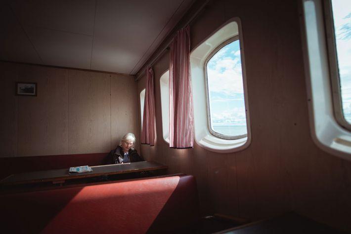 Vom Festland aus fahren zwei Fähren nach Kihnu. Die hier abgebildete fährt von Pärnu aus zweimal ...