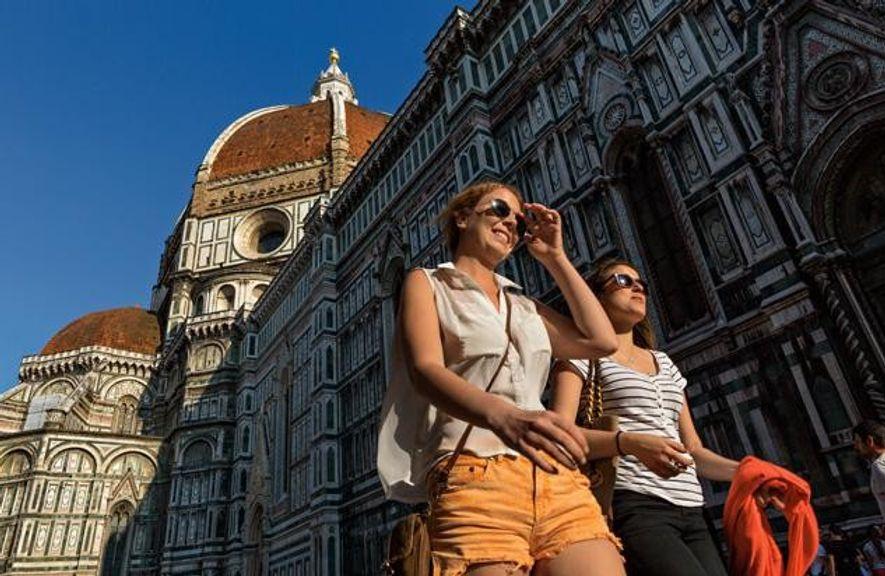 Die Kuppel von Santa Maria del Fiore wurde 1436 fertiggestellt. Mit ihrem raumgreifenden Gestus ist sie ...