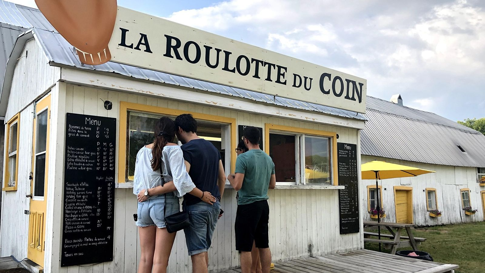 La Roulotte du Coin ist ein Straßenimbiss, der kulinarische Köstlichkeiten serviert.