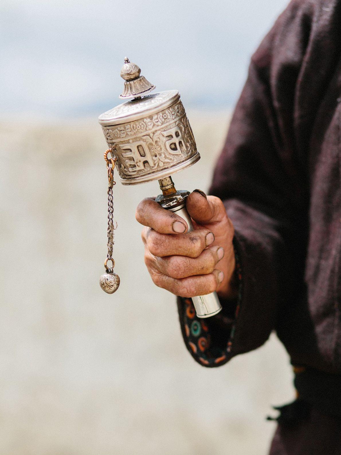 Indische Gebetsmühlen oder Mani-Mühlen sollen für gutes Karma sorgen.