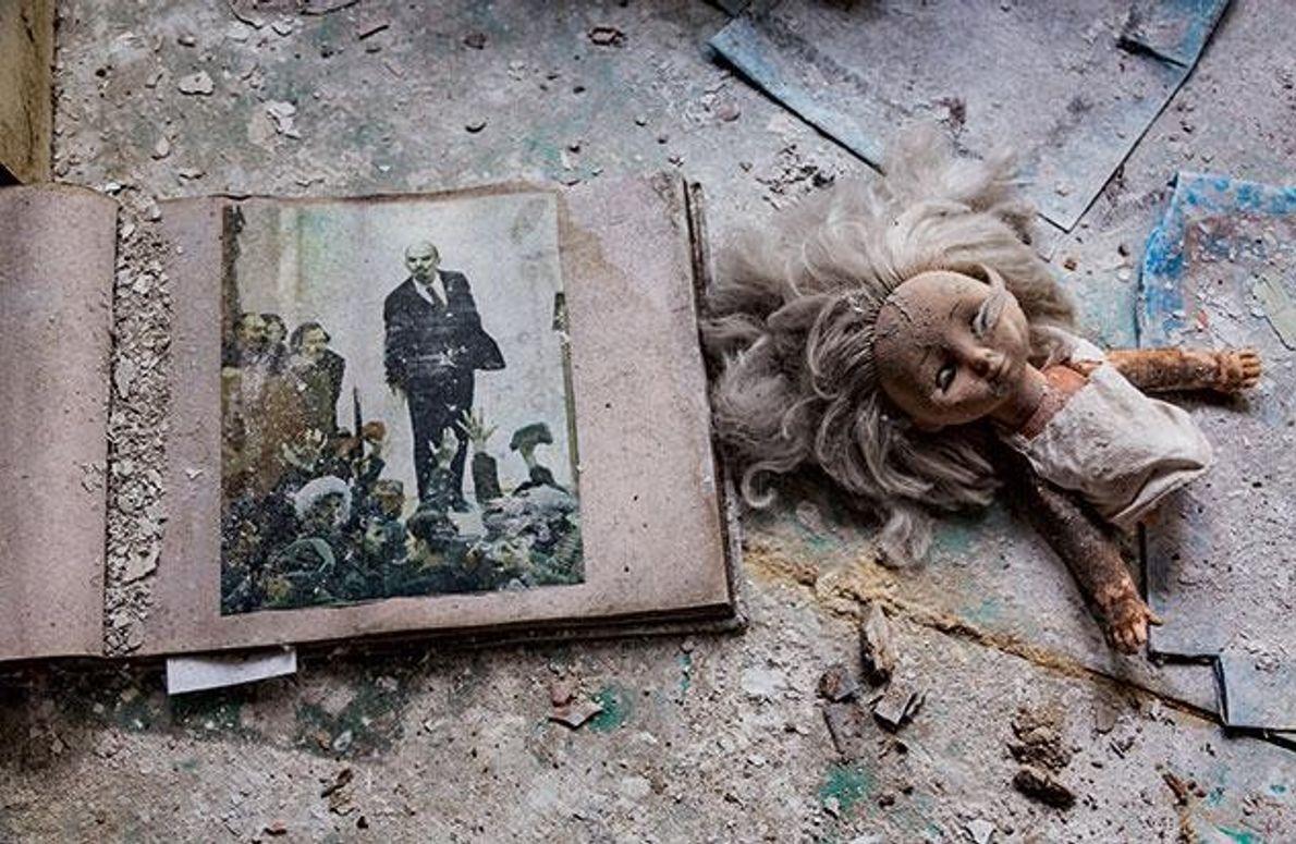 Lenin und Puppe
