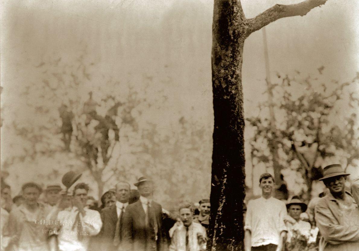 """Lynchmord an Jesse Washington, Wako, Texas. 1916.  Der Künstler Ken Gonzales-Day wurde weithin für seine Serie """"Erased ..."""