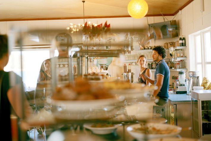 Foto des Maranui Surf & Livesaving Cafés in Wellington, Neuseeland
