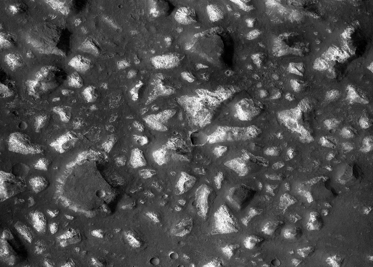 Im Oktober 2017 veröffentlichten Wissenschaftler Hinweise darauf, dass das Eridania-Becken auf dem Mars vor 3,7 Milliarden ...