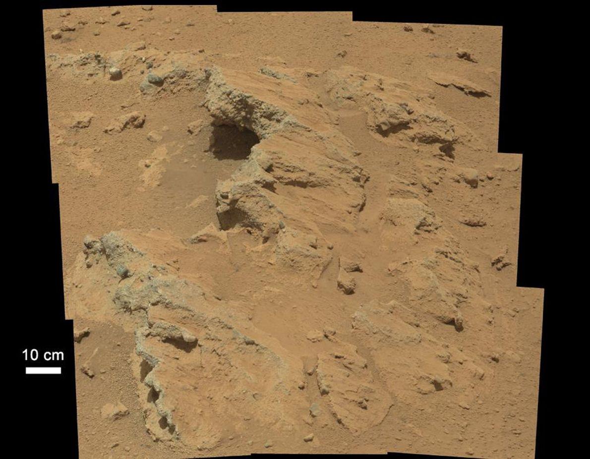2012 fand der NASA-Rover Curiosity die Überreste eines Flusses, der einst über die Oberfläche des Mars ...