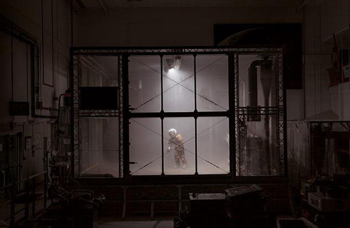 Am Kennedy Space Center der Nasa in Florida testet Raumfahrtingenieur Pablo de León den Prototyp eines …