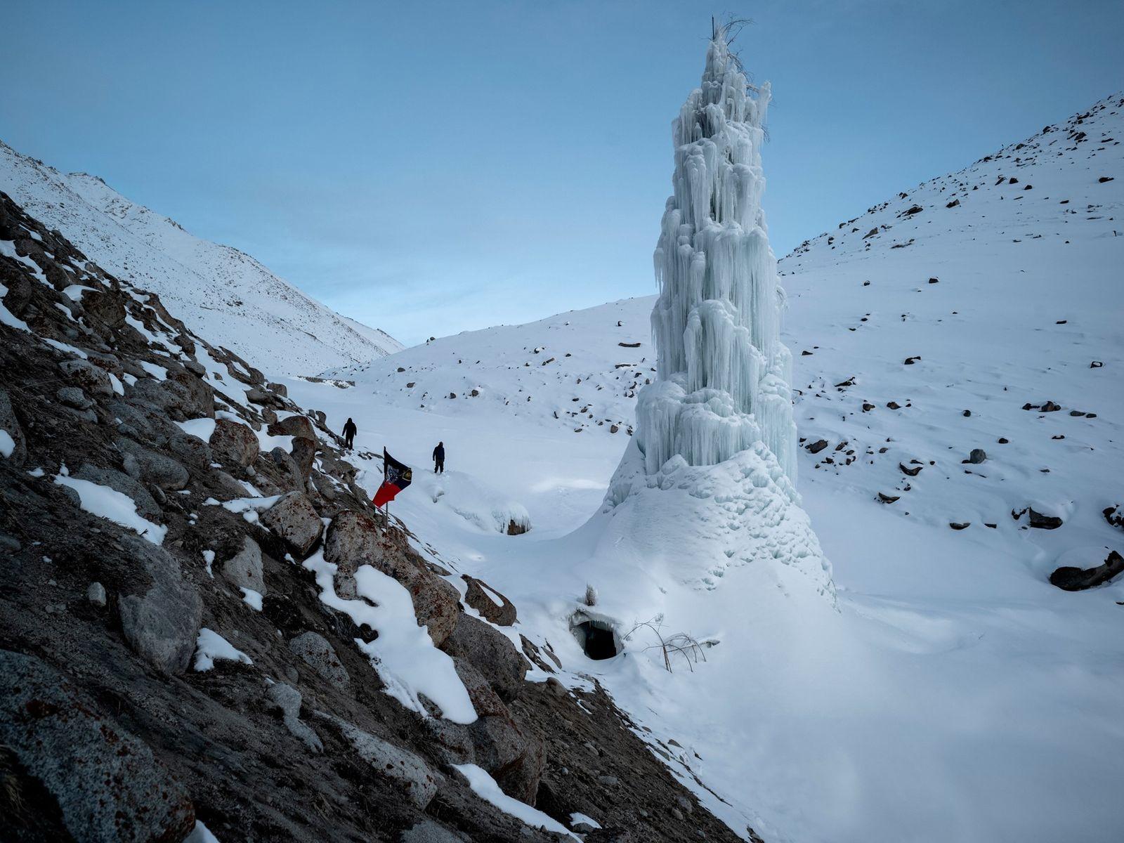 Künstliche Gletscher in Indien