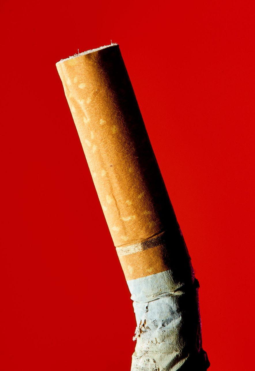 Von den Billionen Zigarettenfiltern, die jedes Jahr im Einsatz sind, landen etwa zwei Drittel in der ...