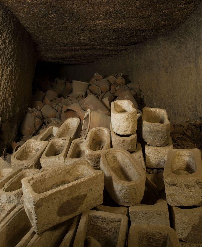 Sarkophage für Ibismumien