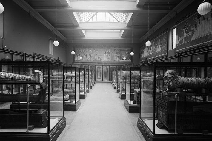 Mumiensaal des Britischen Museums 1937