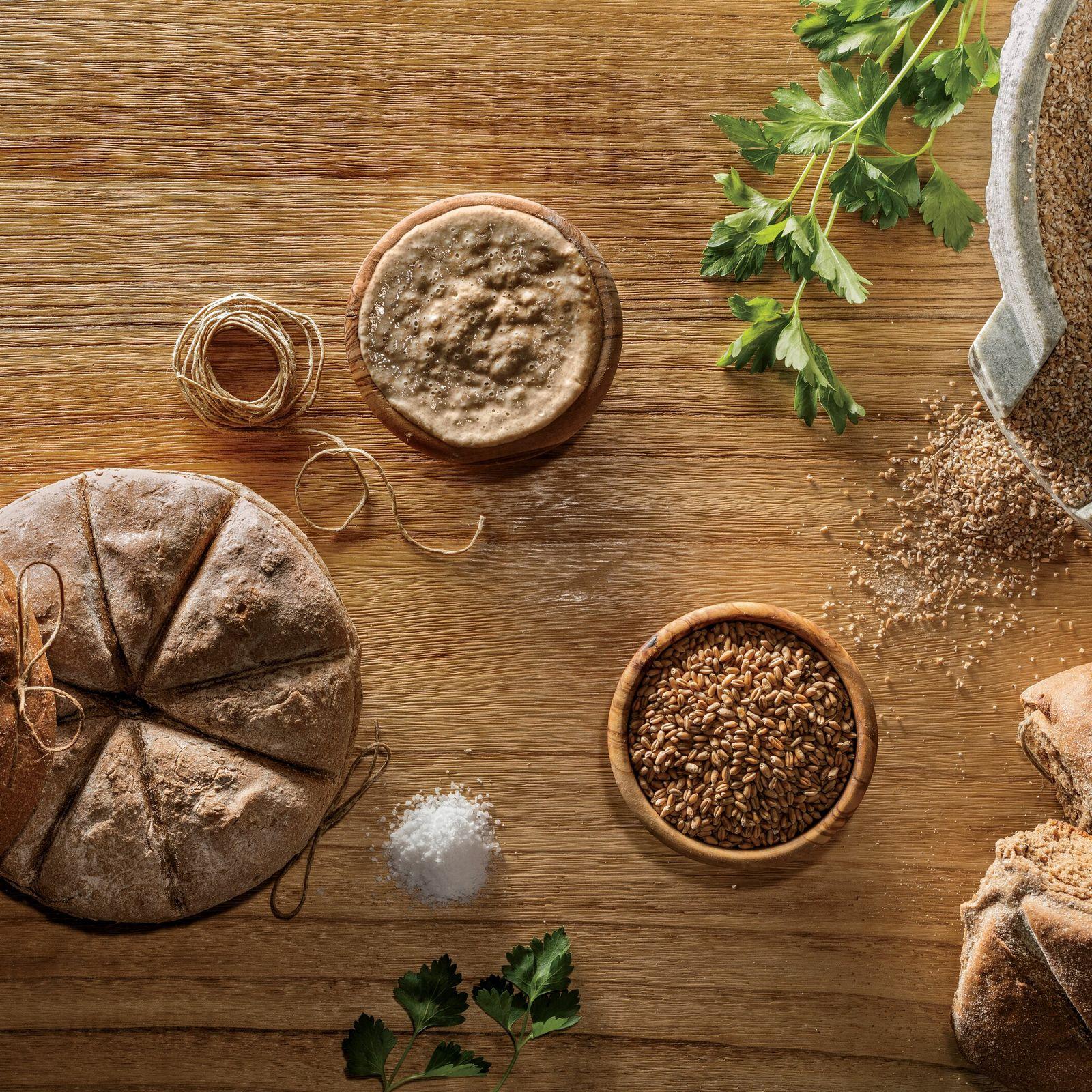 Bei Ausgrabungen in einer Bäckerei in Pompeji fanden Archäologen kohleähnliche Reste des bei den alten Römern beliebten panis ...