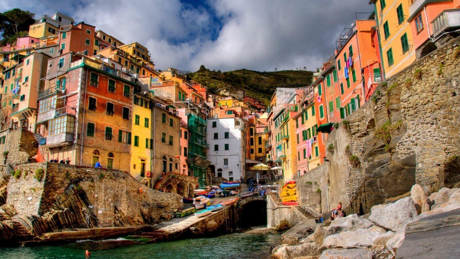 Riomaggiore, eins der malerischen Städtchen der Cinque Terre im Nordwesten von Italien.