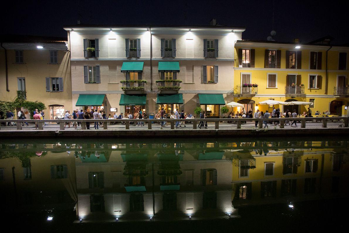 Gebäude an Kanal