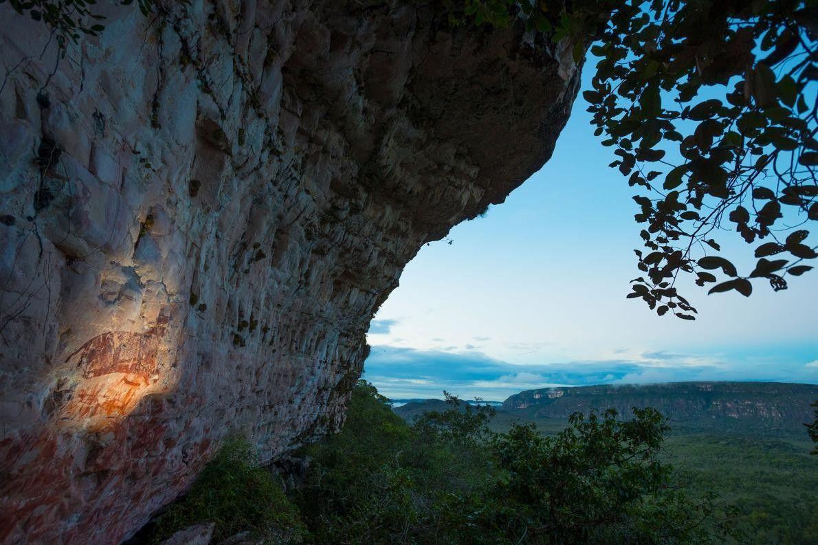 CHIRIBIQUETE NATIONALPARK Der Parque Nacional Natural Chiribiquete ist das größte Schutzgebiet Kolumbiens und gilt den Ureinwohnern ...