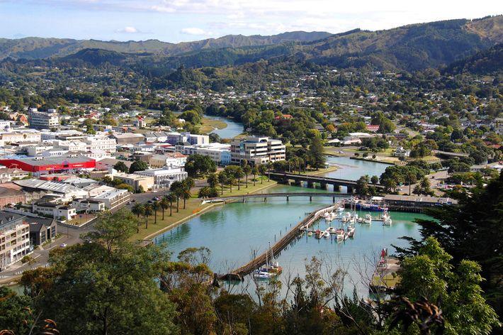 Die Poverty Bay in Gisborne erhielt ihren Namen von James Cook, der Aotearoa (Neuseeland) als erster ...