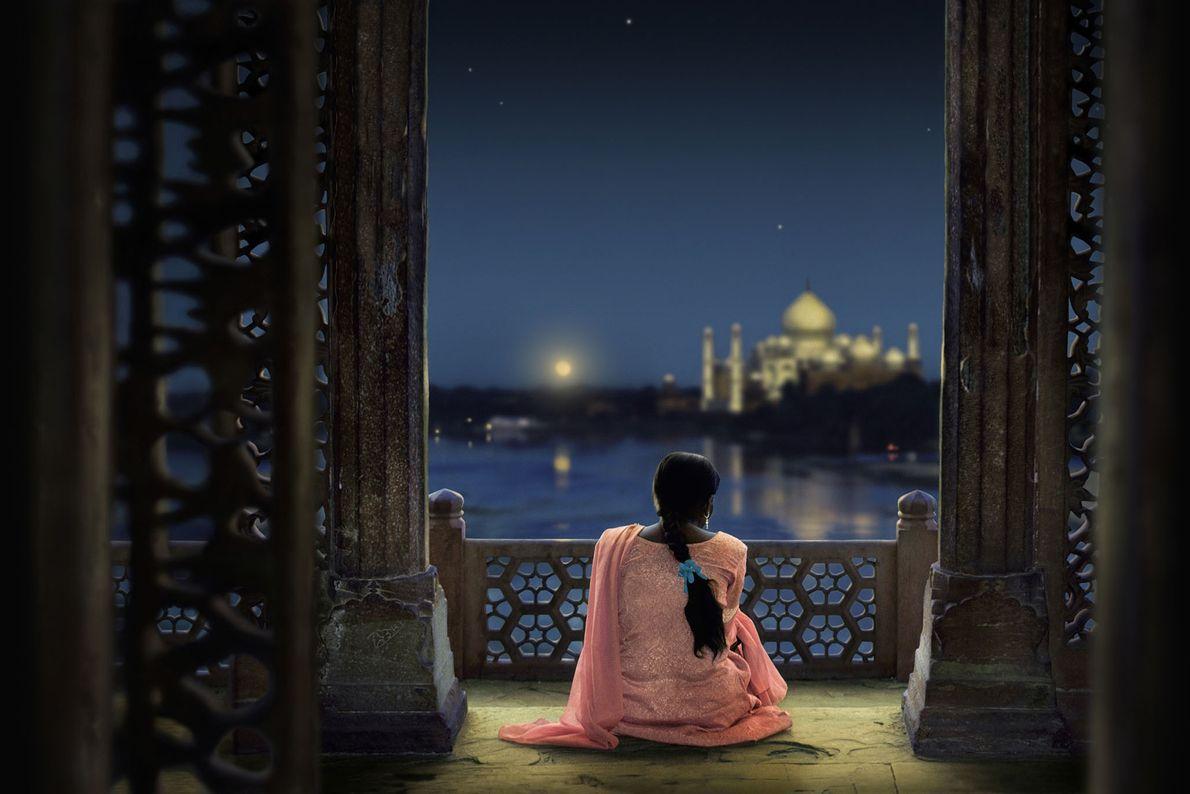 AGRA, INDIEN | Ein mitternächtlicher Blick auf das Taj Mahal lädt zum stillen Nachdenken ein.